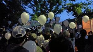 殺伐とした雰囲気すら漂う反原発デモの会場にあって、田中康夫が配っていた「白い風船」は、場の空気を和ませる役割を担っていた。