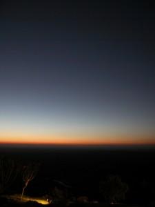 マサイ・マラにきて2度目の朝。グラデーションが一日の始まりを告げる。