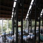 ムパタ・サファリ・クラブのレストラン。このホテルの経営者は日本人、というか、雑誌『ソトコト』の編集長氏。日本人観光客は多かったのは当然か。ちなみにムパタとは動物画家S.G.ムパタにちなんでつけられた名前とか。