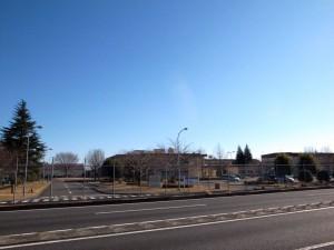 横田基地には、空港施設はもちろん、衣食住を満たす様々な施設が揃う。(撮影=bg)