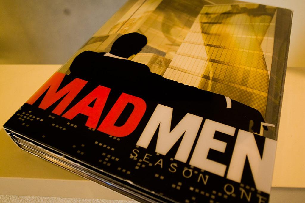 アメリカでは、2007年から2015年まで7シーズン続いた『Mad Men』。エミー賞、ゴールデングローブ賞を受賞するなど高い評価を得たドラマシリーズだ。
