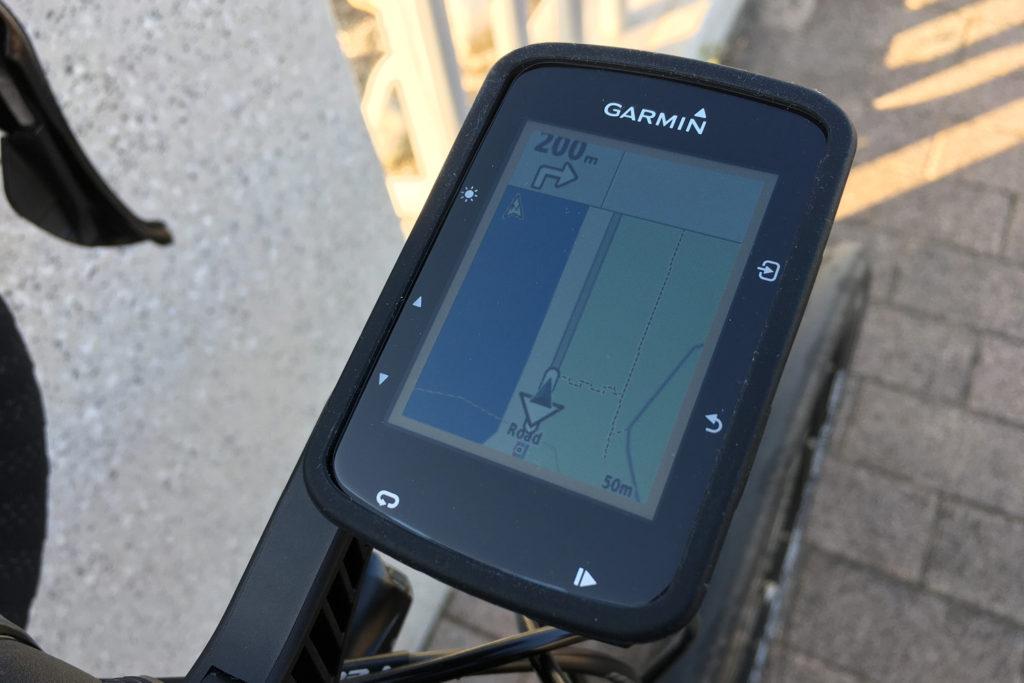 欧州仕様の地図しか入っていないため、日本地図を「Edge 520 Plus」にアップロード。こうすれば国内でもナビゲーション機能が問題なく使える。(撮影=bg)